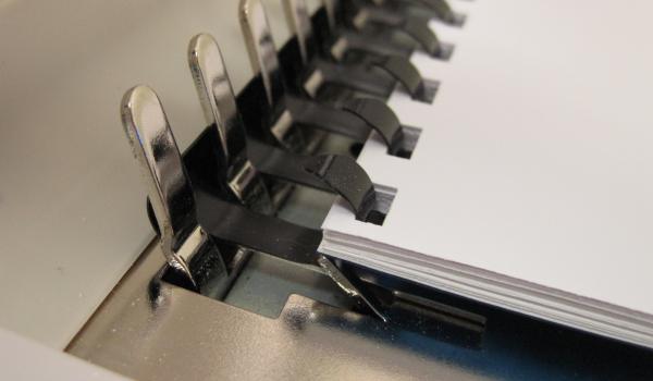 Как пользоваться брошюровщиком